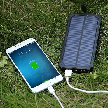 10,000MAH Solar Charger And Power Bank